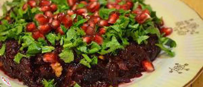 Salat iz svekly s orekhami i granatom