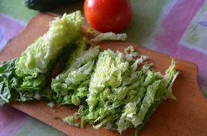 как приготовить салат из капусты огурцов и помидоров