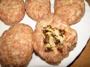 Ингредиенты для приготовления котлет с грибной начинкой