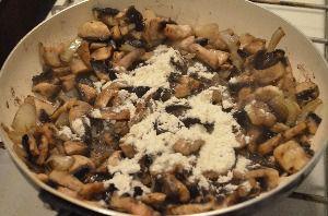 Ингредиенты для приготовления мяса с шампиньонами