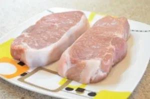 приготовление стейков из свинины