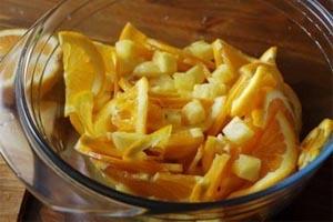 приготовление фруктового пунша из лимонов