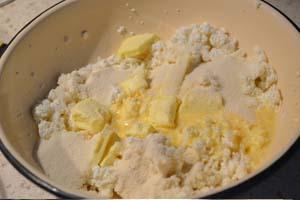 Ингредиенты для приготовления творожной запеканки с абрикосовой начинкой