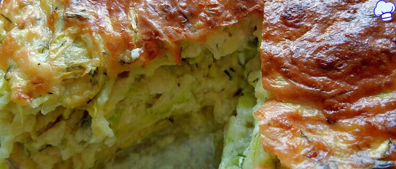 Запеканка из кабачков с творогом, зеленью и сыром