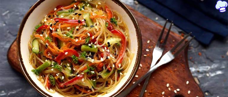 Обалденный салат Фунчоза с овощами