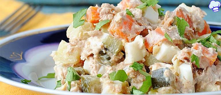 Обалденный салат с рыбными консервами